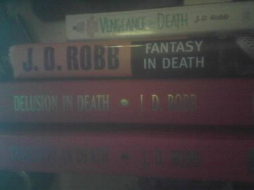 J D Robb book fan photo