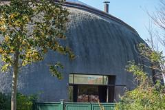 Ein etwas anderes Reetdachhaus... (klaus.bostelmann) Tags: ostsee ahrenshoop mecklenburgvorpommern reetdachhaus