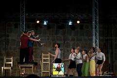 Encuentro Escuelas Europeas de Circo (PeRRo_RoJo) Tags: portrait espaa night lights luces noche circo circus retrato sony acrobat es alpha slt vila castillaylen acrobacia acrbata a77ii ilca77m2 sonya77ii 77ii