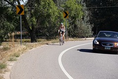 Coming around the bend (Let Ideas Compete) Tags: colorado boulder biker bicyclist curve roadbiker abendintheroad acurveintheroad