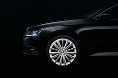Skoda Superb Black Crystal