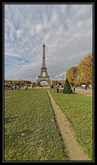 pic3 (Photos Vincent 2011 and beyond) Tags: paris tower tour eiffel champsdemars
