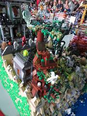 IMG_8038 (LUG Festibriques) Tags: montagne dragon lego exposition fantasy nancy hotdogs caverne fantastique 2015 scoubidou festibriques ludibriques