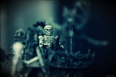 skeleton crew - Barnaclops (VintageReflection) Tags: from people man guy scale monster canon dead skeleton toy toys boot eos skull 50mm boat eyes ship play little tales action box zombie pirates ghost bad adventure plastic crew pirate figure undead dread jolly roger phantom megabloks der rule schiff command arrr spielzeug tabletop figur pyrates seas buccaneers pirata pirat mega buccaneer cursed swashbuckler skelett ghostship 2015 seeruber ahoi geisterschiff piratenschiff omatic bloks 450d lostillusion75 retrotwin knochenschiff totenschiff totenkopfpirat
