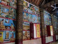 """Luang Prabang: le temple Vat Aham, à côté du Vat Visoun <a style=""""margin-left:10px; font-size:0.8em;"""" href=""""http://www.flickr.com/photos/127723101@N04/23238578893/"""" target=""""_blank"""">@flickr</a>"""