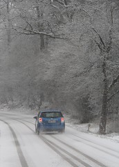 Leaving Brden ... (:Linda: (till the end of the year OFF)) Tags: road snow germany track village thuringia powerpole bluecar brden