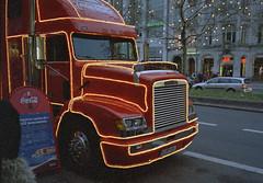 Coca Cola Truck Berlin 2004 (rieblinga) Tags: berlin 2004 truck weihnachten cola kudamm coca