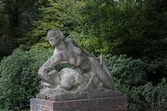 Badende Frau (toto_26) Tags: stadtpark hamburg germany de denkmal
