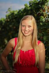 Fee (David Haller Fotografie) Tags: gelb outdoor dress red kleid weinberge wingert weinberg wein trauben weintrauben blond hair nice