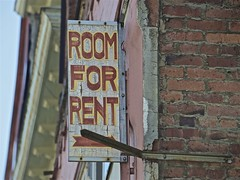 ROOM FOR RENT (sswj) Tags: sign lettering oldsign signage roomforrent vancouver britishcolumbia canada composition dslr fullframe scottjohnson weathered nikon d600 nikkor28300mm availablelight existinglight naturallight architecturaldetail abstractreality