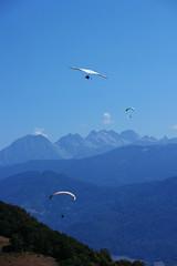 St Hilaire du Touvet (Kusanar_NX) Tags: sthilairedutouvet montagne savoie isre nx500 parapente vol libre train crmaillre