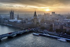 Eye on Westminster (Fabien Georget (fg photographe)) Tags: londoneye bigben sunset elitephotographie water supershot supershotaward sunrise theworldthroughmyeyes sky shot elitephotography elmundopormontera landscape sun autumn poselongue london beautiful canoneos600d fabiengeorget bigfave beautifulearth canon bluehour blue heurebleue cloudsstromssunsetandsunrise flickrdepot mordudephoto cloud flicker flickrunitedaward flickr greatphotographer geotagging georget fgphotographe westminster londres parlement paysage bridge bridges pont asbeautifulasyouwant eau wow