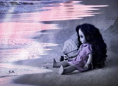 The Fascination of a Sunset by the Sea (pianocats16, miau...) Tags: old pink boy sea beach by tim sand key doll waves purple figure oyster alison crux burton lld fashionated