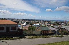 Punta Arenas, Chile (ARNAUD_Z_VOYAGE) Tags: chile park city sunset sea sky people horse orange sun green cars water birds animal yellow clouds america river landscape grey boat town south southern punta whales arenas threes