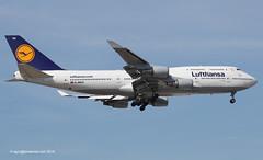 D-ABVU - 1998 build Boeing B747-430, inbound on Runway 07R at Frankfurt (egcc) Tags: bayern frankfurt main lh boeing lufthansa fra dlh b747 staralliance b747400 eddf b744 1191 29492 dabvu b747430