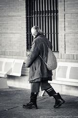 ... Por la Estacin (Pedroruben) Tags: bus blancoynegro window station floors ventana sad triste solo heater estacion lonely walls marble pinocchio autobus radiator paredes indigente destitute suelo marmol pinocho whiteandblack radiador calefactor