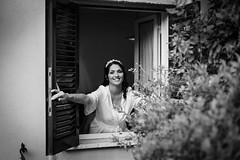 _MG_3399 (colizzifotografi) Tags: bw casa bn finestra divertenti sposa reportage spiritose