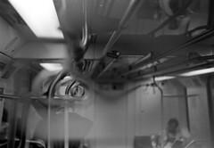 Coizinhos de Segurar do Metrô (Renan Catto) Tags: metro paulo agfa sao duoscan