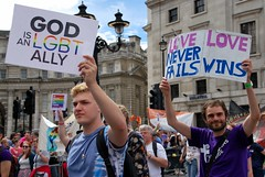 Gay Pride 2016 in London #loveislove (aledagosta) Tags: loveislove