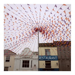 Bunting (ngbrx) Tags: truro cornwall england wimpel bunting city stadt restaurant uk united kingdom vereinigtes knigreich great grossbritannien britain