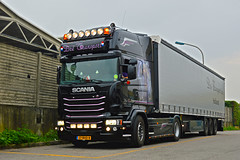 Scania Streamline Dre Transport (Samuele Trevisanello) Tags: power holland hollandstyle international truckspotting truckspotter fotobyst trasporti nikon nikond d3200 veicolo allaperto camion euro6 auto scaniapower scaniav8 v8power goinstyle scania streamline dre transport trnasport dr nl scaniar scaniavabis scaniaholland scaniatrucks