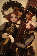 Mirror 2 (Atelier Murinae) Tags: bjd ball jointed doll dim dollinmind ariadoll gold laia