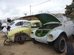 The Old Volks Home (20) - 24 October 2016 (John Oram) Tags: volkswagen vw vwbeetle frenchs theautoclinic yuccavalley 2002p1140312