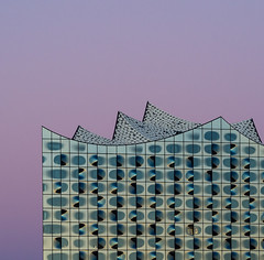 It's dawning for the music (uneitzel) Tags: architecture architektur building concerthall dawn dawning elbphilharmonie gebude glas glass hafencity hamburg himmel mzuiko40150mm modern olympusem5 pink sky square herzogdemeuron