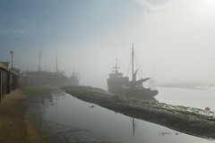Fog in the old town (ho_hokus) Tags: 2016 england fujix20 fujifilmx20 leighonsea oldleigh riverthames thamesestuary uk coast coastline fog mist shore shoreline boats endeavour water river