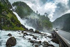 Ltefossen, Hordaland, Norge (North Face) Tags: orge norwegen norway waterfall water road mountains rocks summer nature landscape wasserfall landschaft canon eos 5d mark iii 5d3 ltefoss odda car