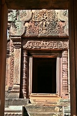 Cambodia - Angkor Banteay Srey (zorro1945) Tags: door sculpture history asia cambodia stonecarving carving doorway siemreap angkor pediment lintel indochine banteaysrey templesofangkor khmerart sandstonecarving khmerarchitecture