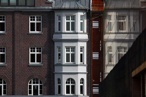 "Entlang der Schauenburgerstrasse (05) • <a style=""font-size:0.8em;"" href=""http://www.flickr.com/photos/69570948@N04/21087064913/"" target=""_blank"">View on Flickr</a>"