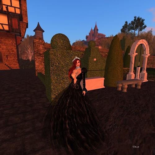 09091503_003 DeeDee: she walks in beauty (look at her gown!)