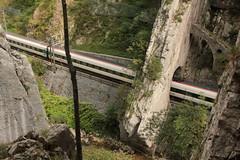 SBB ICN Intercity Neigezug unterwegs in der Gorges de Moutier im Berner Jura im Kanton Bern der Schweiz (chrchr_75) Tags: chriguhurnibluemailch christoph hurni chrigu chriguhurni chrchr chrchr75 albumzzz201509september september 2015 albumbahnenderschweiz2015712 eisenbahn bahn schweizer bahnen sbb cff ffs rabde 500 albumsbbicnrabde500 intercity neigezug schweiz suisse switzerland svizzera suissa swiss albumbahnenderschweiz zug train juna zoug trainen tog tren  lokomotive  locomotora lok lokomotiv locomotief locomotiva locomotive railway rautatie chemin de fer ferrovia  spoorweg  centralstation ferroviaria