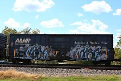 (o texano) Tags: bench graffiti texas trains dts d30 freights wyse a2m benching adikts
