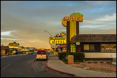 Highlander motel (philippe*) Tags: arizona route66 williams motels motelsigns