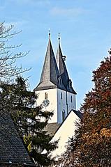 Kirchen (schubertj73) Tags: city outdoor churches kirche southern stadt fujifilm innenstadt x10 iserlohn sdliche