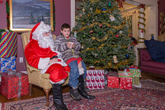 151205_395 (MiFleur...Thank You for 1 Million Views) Tags: christmas children crafts santaclaus candids specialevent colebrook santasworkshop santasworkishop2015