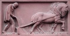 Hauszeichen (mitue) Tags: berlin bauer pferd pflug guessedberlin gwbthomaslautenschlag