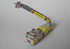 Ladder14 (04) (Joachim Gundlach) Tags: rescue fire firetruck vehicle fireengine custom feuerwehr kitbash modellbau nscale 1160 arff kitbashing kitbashed 1zu160