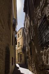 (jenifer.camino) Tags: architecture arquitectura streetphoto light contrast luz contraste canon canonistas espaa spain