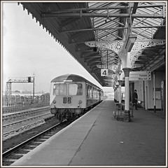 Cravens to Nottingham (david.hayes77) Tags: cravens grantham lincolnshire dmu mono bw blackandwhite ilford fp4 1976 class105 ecml east coast mainline yashicamat 124g twinlensreflex tlr 6x6 squareformat