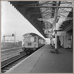 Cravens to Nottingham (david.hayes77) Tags: cravens grantham lincolnshire dmu mono bw blackandwhite ilford fp4 1976 class105 ecml east coast mainline yashicamat 124g twinlensreflex tlr 6x6 squareformat