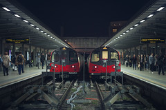 Central Line (www.javierayala-photography.com) Tags: london stratford centralline station underground londontube metro platform londres england