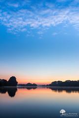 Bleu Rouge Blanc (photosenvrac) Tags: paysageloireleversoleileauposebeaugencymessasphoto thierryduchamp