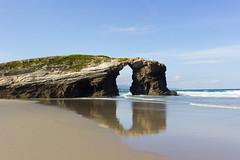Puerta al cantbrico (Juan Pedro Barbadillo) Tags: beach playa cantabricsea marcantbrico sea mar naturalconstruction construccinnatural formacinrocosa rockformation