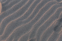 Sable / Sand [explored] (dbrothier) Tags: canon ef 50mm f14 usm sand sable canonef50mmf14usm plage playa beach ocean waves flickrheroes flickr13 crazytuesdaytheme 7dwf textures