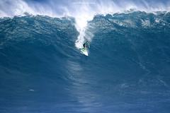 IMG_2262 copy (Aaron Lynton) Tags: surfing lyntonproductions canon 7d maui hawaii surf peahi jaws wsl big wave xxl