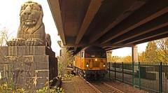 Britannia Bridge 2 (peterdouglas1) Tags: colasrail class56 56105 britanniabridge a55expressway lions