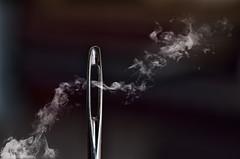 Para las heridas del alma / For the wounds of the soul (hequebaeza) Tags: naturalezamuerta stilllife aguja needle humo smoke nikon d5100 nikond5100 3570mm tubosdeextensin macro hequebaeza macromondays stitch